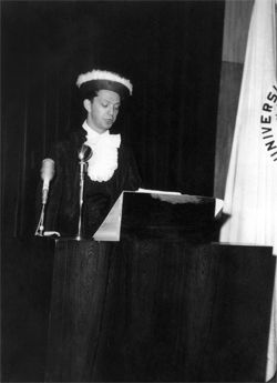 Discurso na formatura de medicina, em 1964.